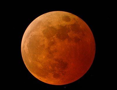Lune au cours d'une éclipse totale lunaire