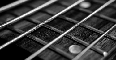 Corde de guitare en gros plan
